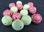 Plastic Christmas Round Detailed Beads 15mm